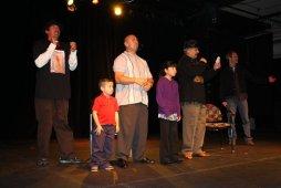 On Stage Thanking Audience con Familia Barrio Bushido 2011